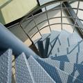 Za neravne jeklene stopnice