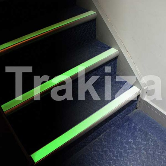 Super svetleči protizdrsni trakovi 15m